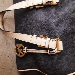 Michael Kors Bags - Michael Kors Handbag satchel style